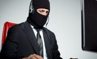 Представлялись сотрудниками банка: телефонные мошенники сняли с карт украинцев сотни тысяч гривен