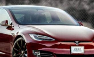Tesla відкликає 30 тисяч електрокарів через серйозний дефект
